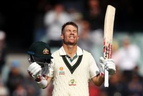 Unnecessary premature declaration cost David Warner a shot at world record: Shashi Tharoor