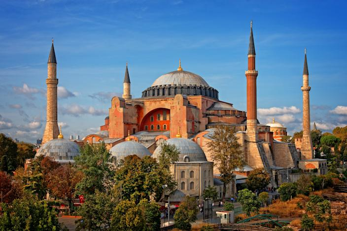 """<h1 class=""""title"""">Hagia Sophia (Ayasofya), Istanbul, Turkey</h1> <div class=""""caption""""> Hagia Sophia, one of the most recognizable buildings in the world, is considered the epitome of Byzantine architecture. </div> <cite class=""""credit"""">Photo: Getty Images/Emad Aljumah</cite>"""