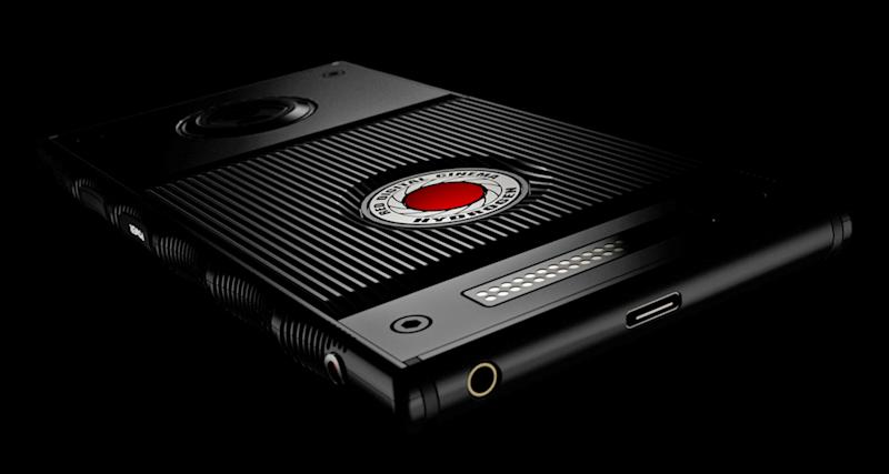 RED's Hydrogen One will be available at AT&T and Verizon this summer