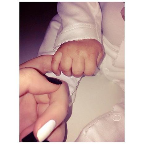 Kendall Jenner Shares Sweet Photo With Baby North West Holding On to Her Finger: Picture