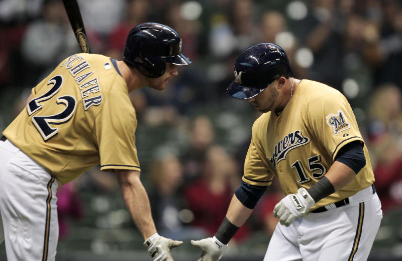 Halton's homer in 9th lifts Brewers over Reds 6-5