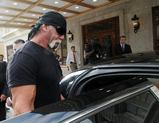 Gawker seeks bankruptcy after sex tape case, finds buyer