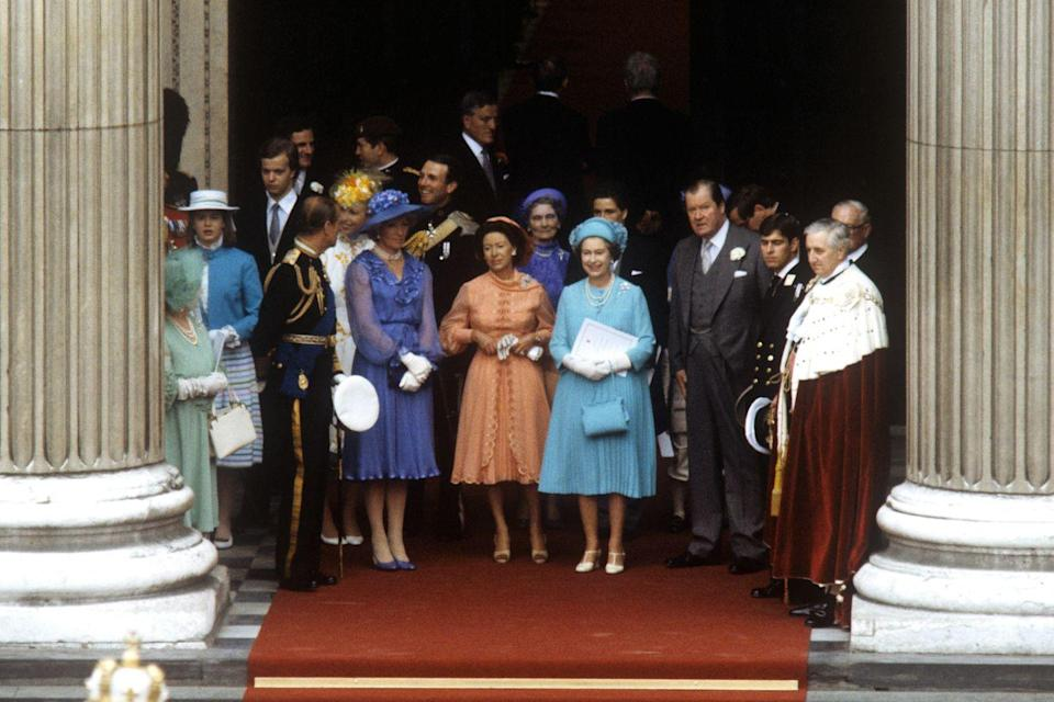 <p>As is traditional, the Queen lead the charge for departing guests. </p>