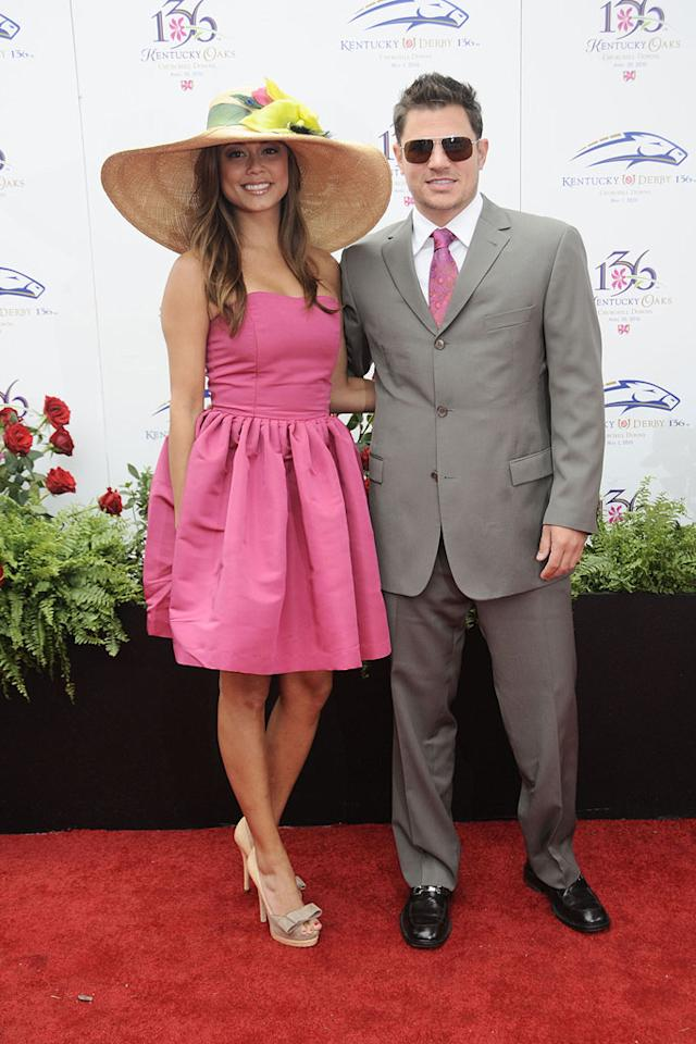 "Nick Lachey and his sweetie Vanessa Minnillo where nicely coordinated in matching pink. Jeff Gentner/<a href=""http://www.gettyimages.com/"" target=""new"">GettyImages.com</a> - May 1, 2010"