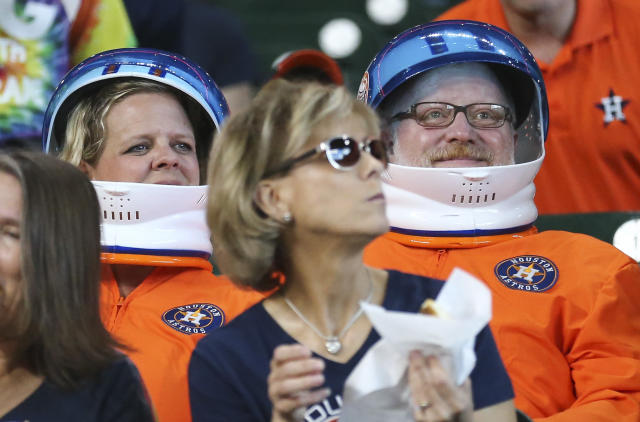"""Sep 22, 2019; Houston, TX, USA; Fans wait for the start of a game between the Houston <a class=""""link rapid-noclick-resp"""" href=""""/mlb/teams/houston/"""" data-ylk=""""slk:Astros"""">Astros</a> and the <a class=""""link rapid-noclick-resp"""" href=""""/mlb/teams/la-angels/"""" data-ylk=""""slk:Los Angeles Angels"""">Los Angeles Angels</a> at Minute Maid Park. Mandatory Credit: Troy Taormina-USA TODAY Sports"""