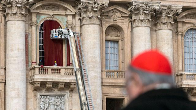 Pope's Balcony Gets Red Drapes for Next Pontiff
