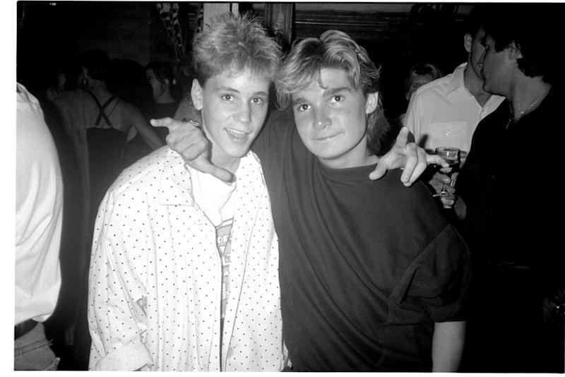 Corey Haim and Corey Feldman at a NYC nightclub on July 29, 1987. (Photo: Patrick McMullan/Getty Images)