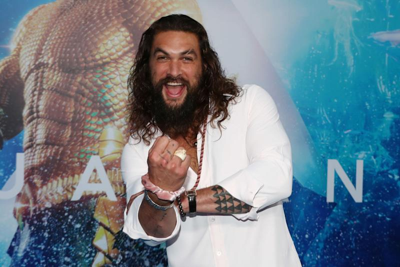 Momoa apologizes to Pratt after water bottle debacle