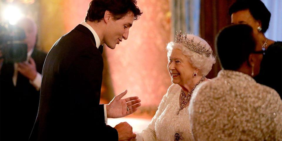 <p>The queen looked excited to meet Canadian Prime Minister Justin Trudeau for a Commonwealth dinner for state officials at Buckingham Palace.</p>