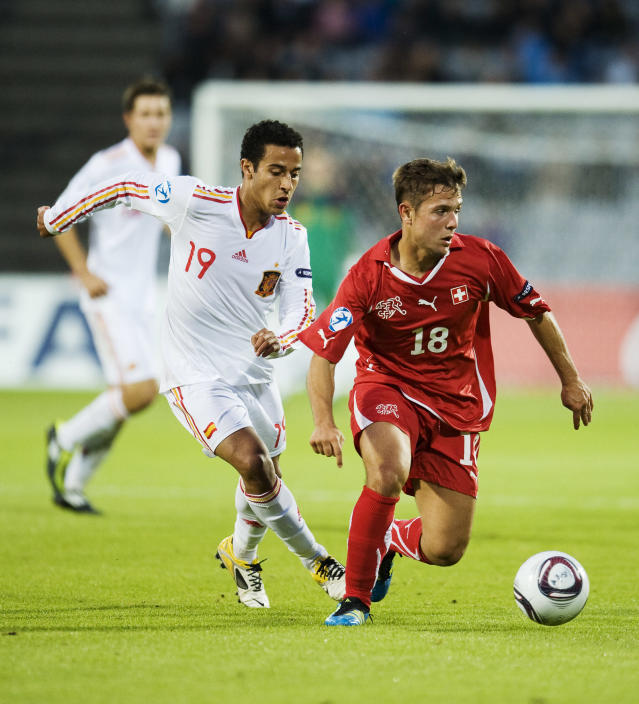 Swiss's Amir Abrashi (R) vies with Spain's Thiago Alcantara during the UEFA Under-21 European Championship final match Spain vs Switzerland at the Aarhus Stadium, on June 25, 2011. AFP PHOTO/JONATHAN NACKSTRAND (Photo credit should read JONATHAN NACKSTRAND/AFP/Getty Images)