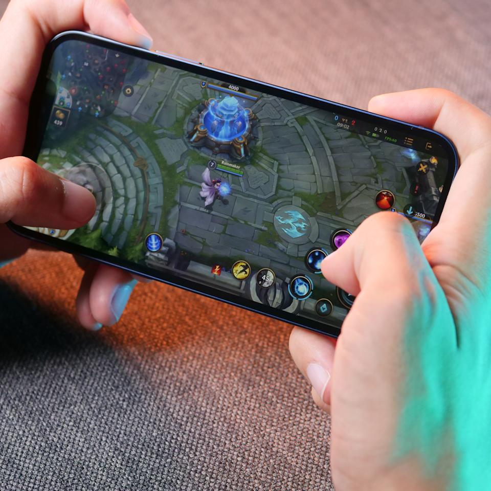 Wild Rift on the iPhone 12. (Photo: Yahoo Esports SEA)