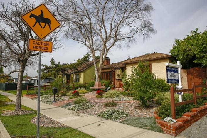 BURBANK, CALIF. - MARCH 26: A home for sale along Elm avenue, on Tuesday, March 26, 2019 in Burbank, Calif. (Kent Nishimura / Los Angeles Times)