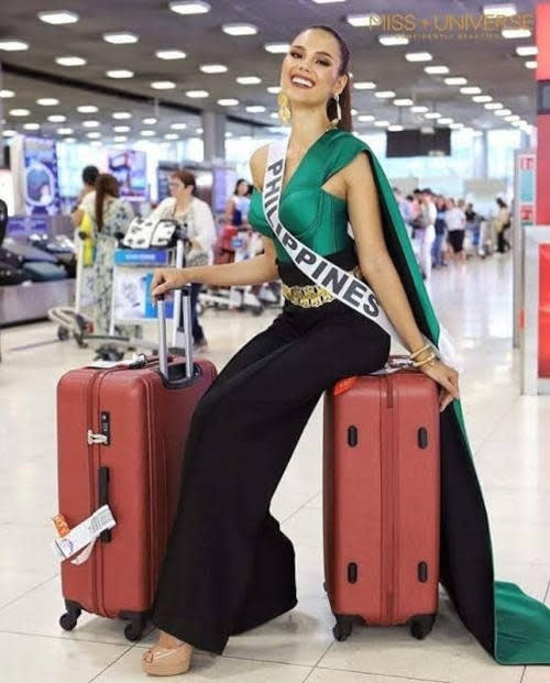 Catriona Gray's arrival look when she arrived in Thailand back in 2018