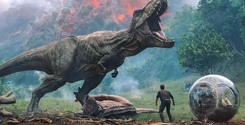 Life finds a way in the absurdly entertaining Jurassic World: Fallen Kingdom: EW review