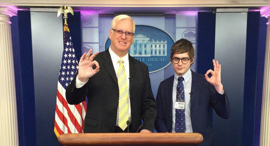 """Gateway Pundit founder Jim Hoft and his White House correspondent Lucian Wintrich display the """"OK"""" white power hand gesture in the White House press room. (Photo: Jim Hoft/Twitter)"""