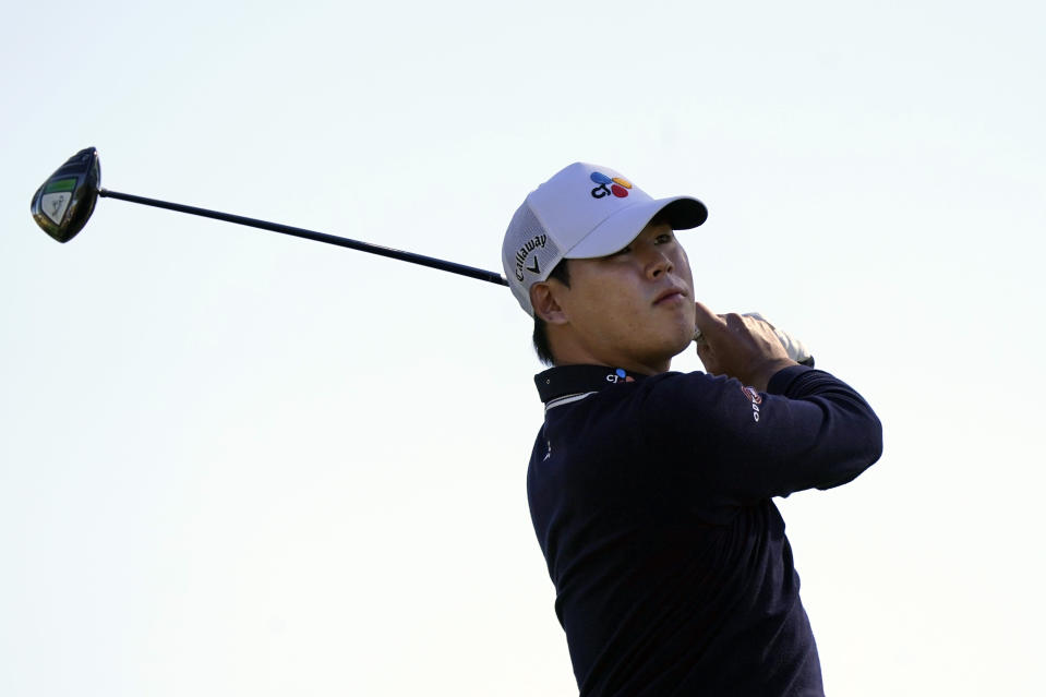 Si Woo Kim hits from the third tee during the final round of The American Express golf tournament on the Pete Dye Stadium Course at PGA West Sunday, Jan. 24, 2021, in La Quinta, Calif. (AP Photo/Marcio Jose Sanchez)