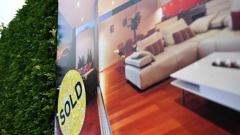 Rates fail to dent Melbourne house prices