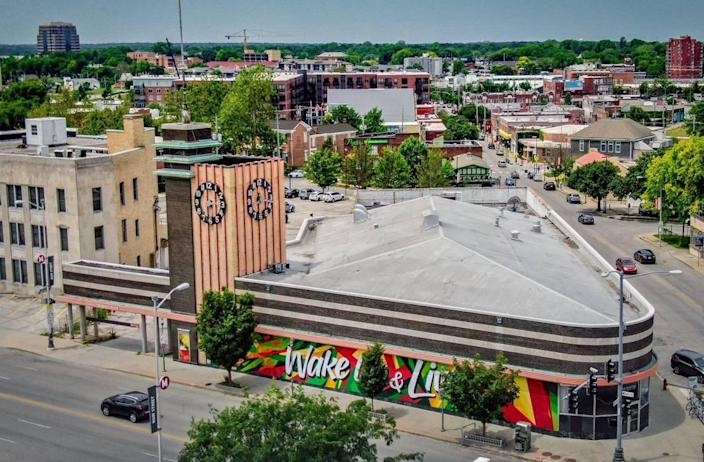 A developer would like to turn the former Katz Drug Store at Westport Road and Main Street in Kansas City into a six-story apartment building. The new complex would be added onto the back of the historic structure and feature 192 new apartments.