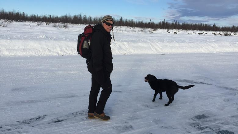Former Inuvik mayor celebrates ice road's final season with memorial journey