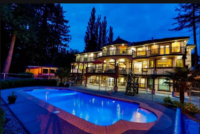 <p>For the opposite of rustic elegance, why not rent a mansion and invite the crew up for the long weekend? This $1,001/night Surrey, B.C., property comfortably accomodates 16 of your closest friends. (Airbnb) </p>