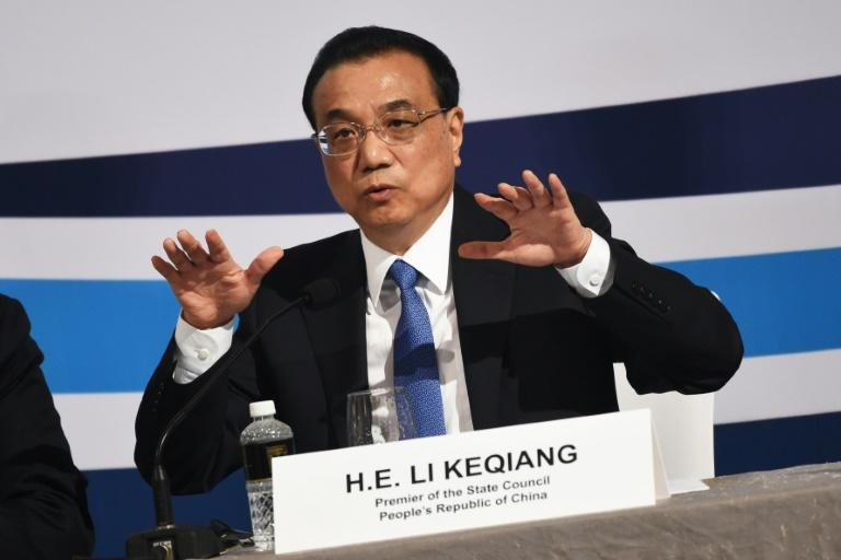 Chinese Premier Li Keqiang has said his country is now the standard bearer of global free trade