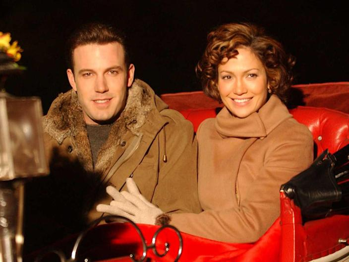 ben affleck and jennifer lopez on the set of jersey girl in nyc on november 7 2002