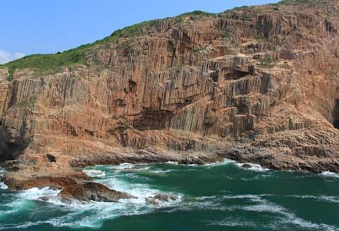 The islands in the Ung Kong Group have some impressive features including hexagonal columns of rock. Photo: AFCD
