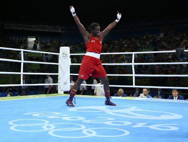 2016 Rio Olympics - Boxing - Final - Women's Middle (75kg) Final Bout 270 - Riocentro - Pavilion 6 - Rio de Janeiro, Brazil - 21/08/2016. Claressa Shields (USA) of USA celebrates after winning her bout. REUTERS/Peter Cziborra FOR EDITORIAL USE ONLY. NOT FOR SALE FOR MARKETING OR ADVERTISING CAMPAIGNS.