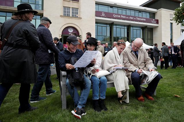 Horse Racing - Qatar Prix de l'Arc de Triomphe - Chantilly Racecourse, France - October 1, 2017 Racegoers during the meeting REUTERS/Benoit Tessier