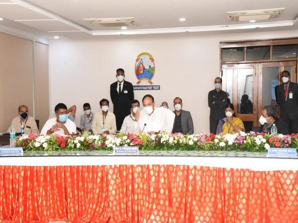 Vice President M Venkaiah Naidu during interaction with Chairman, other officials of Visakhapatnam Port Trust in Visakhapatnam (Photo/Twitter)