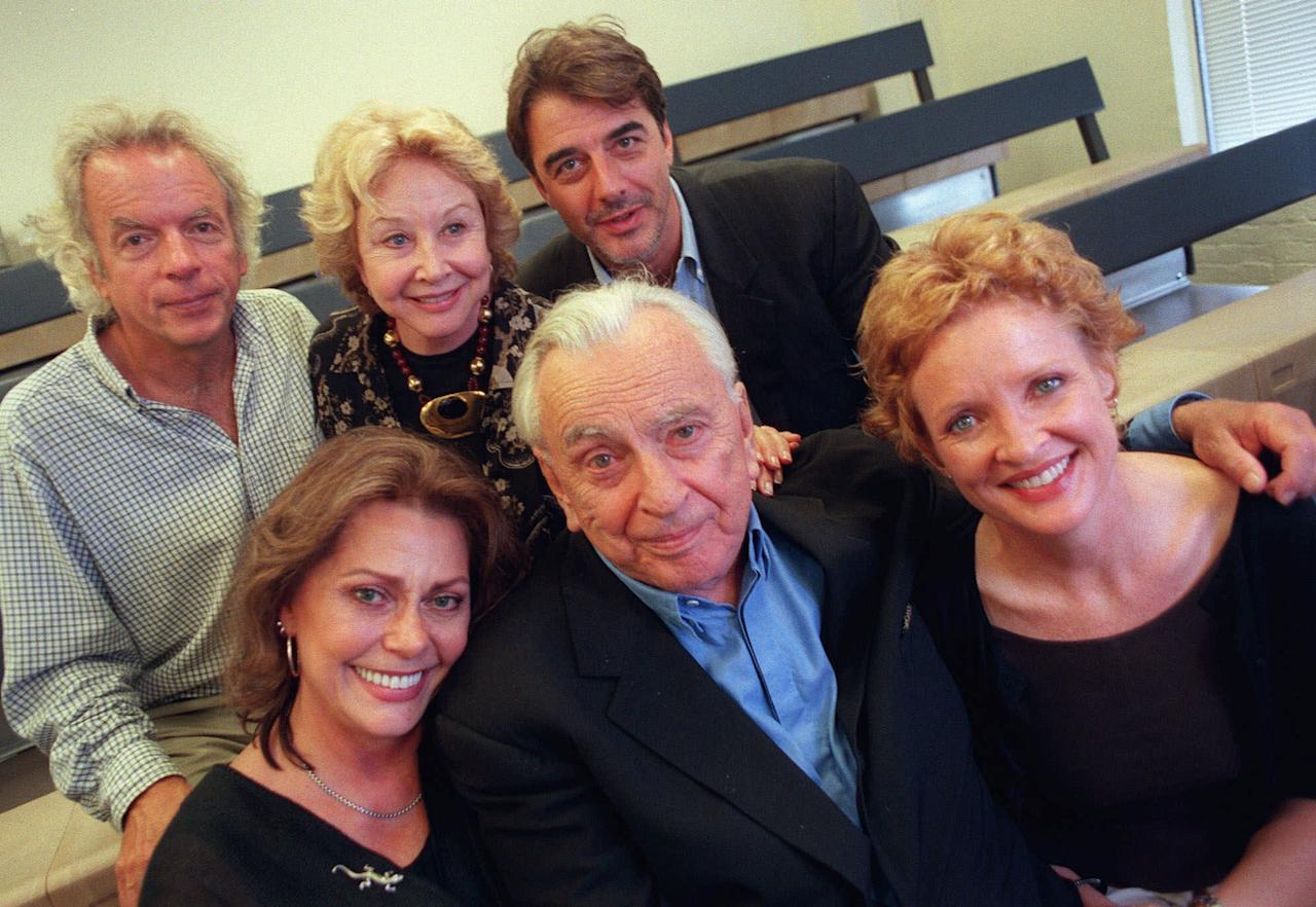 "Cast members of ""The Best Man"" pose with author Gore Vidal in New York, August 1, 2000. The revival of Vidal's 1960 political thriller opens Sept. 17 at Broadway's Virginia Theater. Front, from left, are Elizabeth Ashley, Vidal, and Christine Ebersole. At rear are Spalding Gray, Michael Learned, and Chris Noth. (AP Photo/Jeff Geissler)"