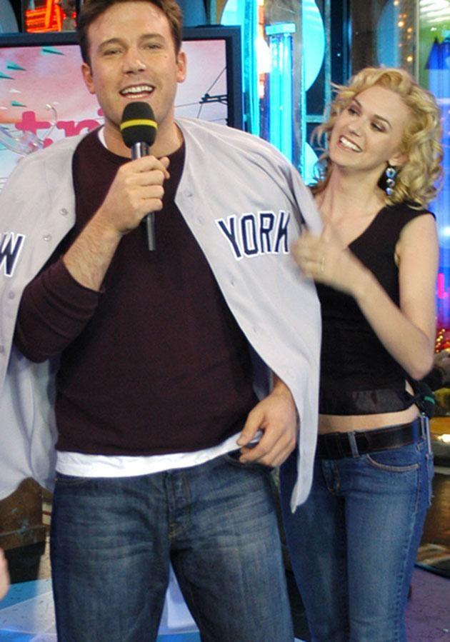 Ben and Hilarie goofing around on the MTV set. Source: Getty