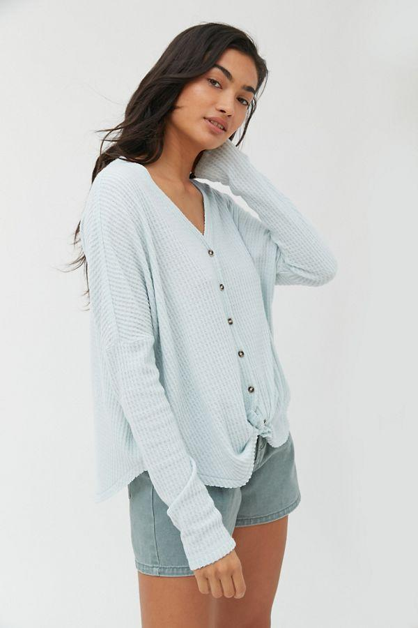 Wear with sweatpants, jeans, skirts... you name it. (Photo: Urban Outfitters)