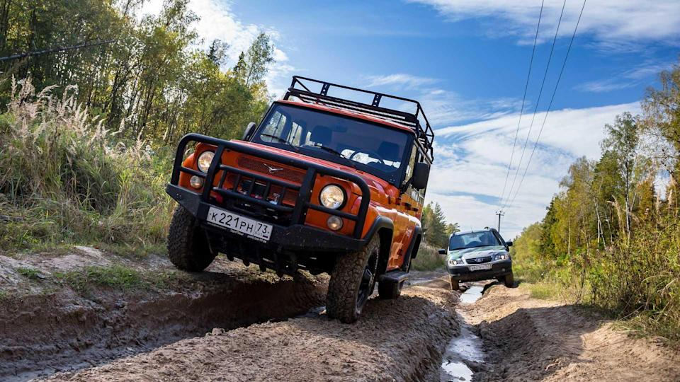 UAZ Hunter Expedition gegen Lada Niva Offroad