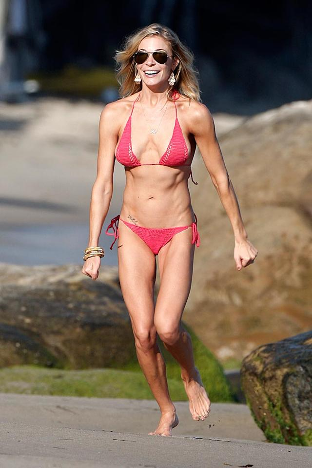 "<strong>Stars Who Are Too Skinny</strong><br>There are also a few women in Hollywood who have taken their fitness regimes a tad too far. Country star LeAnn Rimes, who received a lot of flack this past year for her scary-skinny physique, topped the list of stars who could stand to put a little meat on the bones, receiving 39% of the vote. Health nut Gwyneth Paltrow came in second with 27%, followed closely by Cameron Diaz (26%), and ""Glee"" star Lea Michele (8%)."