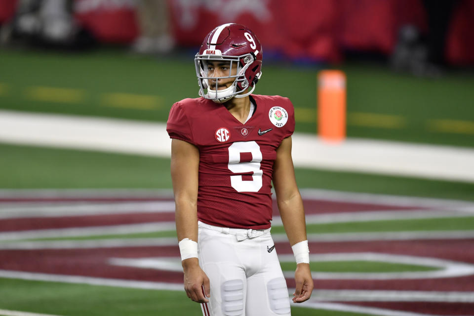 ARLINGTON, TEXAS - JANUARY 01: Bryce Young #9 of the Alabama Crimson Tide warms up before the College Football Playoff Semifinal at the Rose Bowl football game against the Notre Dame Fighting Irish at AT&T Stadium on January 01, 2021 in Arlington, Texas. The Alabama Crimson Tide defeated the Notre Dame Fighting Irish 31-14. (Photo by Alika Jenner/Getty Images)