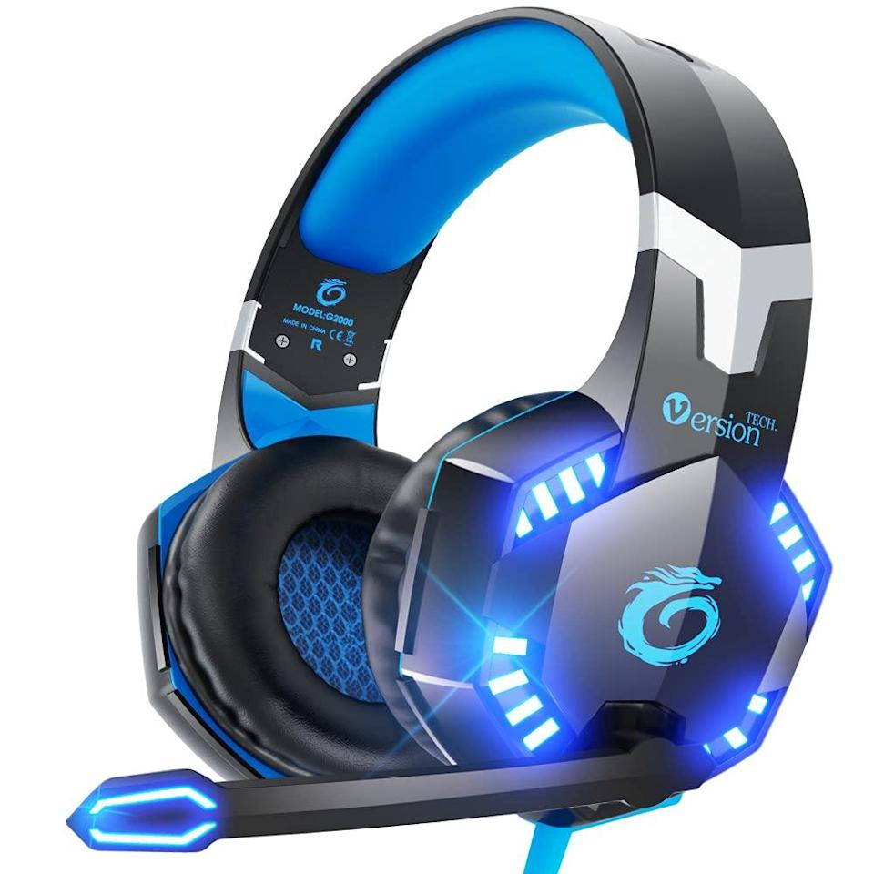 VersionTECH. G2000 Gaming Headset for PS5 PS4 PC Xbox One, Surround Sound Over Ear Headphones with Mic, LED Light for Mac Laptop Switch Playstation Xbox Series X/S -Blue