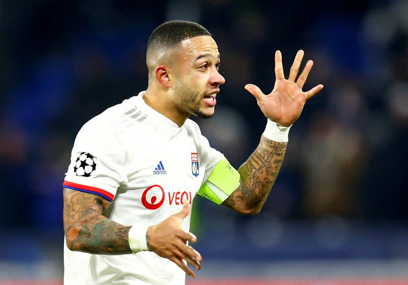 Lyon pour cold water on Depay to Barcelona transfer speculation