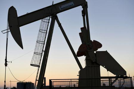 OPEC heads for rollover, bigger oil cut unlikely: delegates