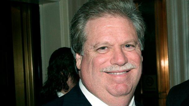 PHOTO: Elliott Broidy poses for a photo at an event in New York, Feb. 27, 2008. (David Karp/AP, FILE )