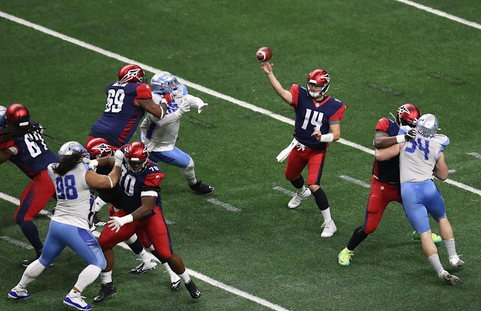 Christian Hackenberg (No. 14), quarterback for the Memphis Express, throws it in an AAF preseason game against the Salt Lake Stallions at the Alamodome on January 27, 2019 in San Antonio, Texas. (courtesy: Alliance of American Football)