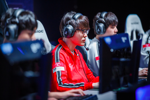 Defending champion Faker will have a target on his back at Worlds 2016 (Riot Games)