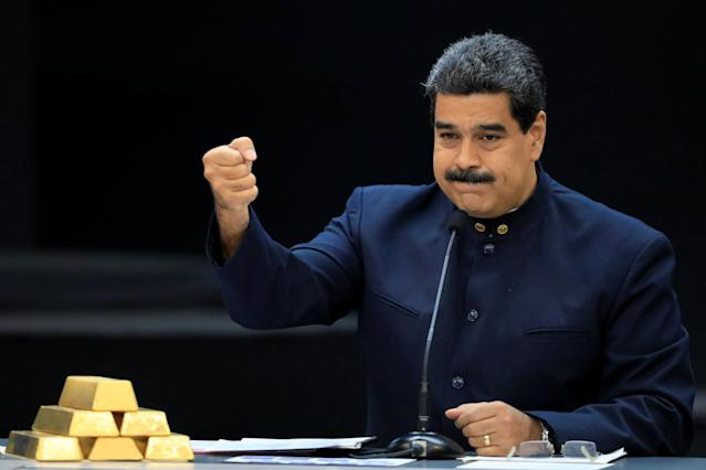 Venezuela's President Nicolas Maduro speaks during a meeting with the ministers responsible for the economic sector at Miraflores Palace in Caracas, Venezuela March 22, 2018. REUTERS/Marco Bello TPX IMAGES OF THE DAY