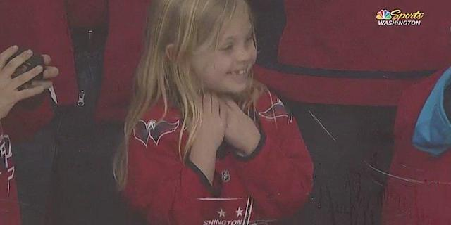 A Capitals player relentlessly tried to get a little girl a puck before a game and earned praise from the sports world.