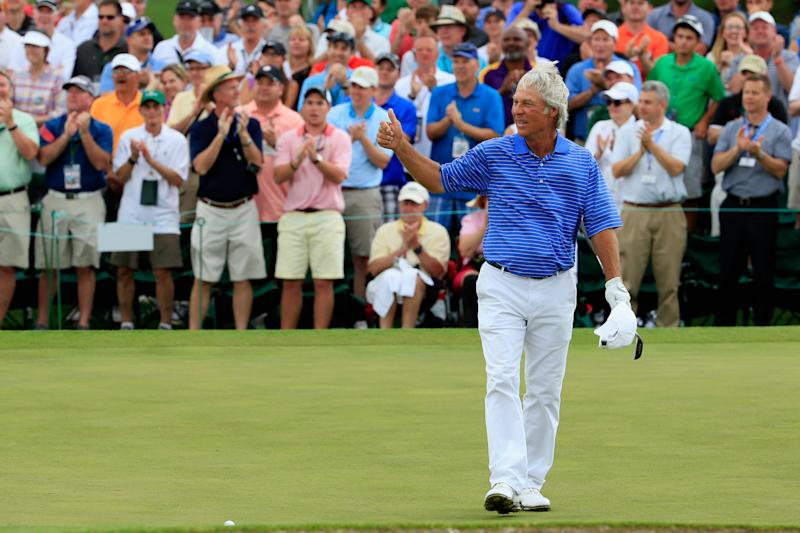 AUGUSTA, GA - APRIL 10: Ben Crenshaw of the United States waves to the gallery on the 18th green while playing his final Masters during the second round of the 2015 Masters Tournament at Augusta National Golf Club on April 10, 2015 in Augusta, Georgia. (Photo by Jamie Squire/Getty Images)