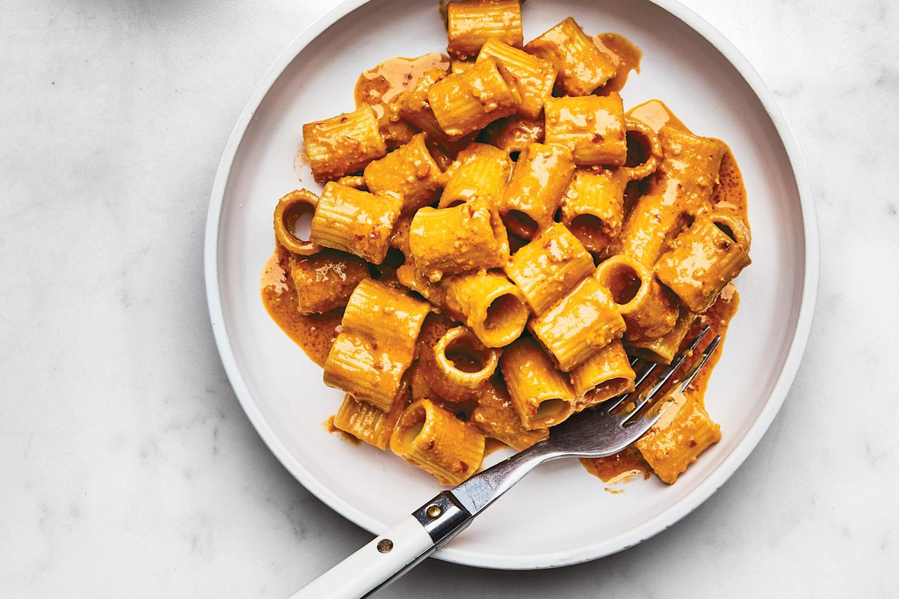 "This red pesto tastes like a mash-up of your favorite spicy chile-spiked tomato sauce and the savory anchovy-garlic dip bagna cauda. <a href=""https://www.epicurious.com/recipes/food/views/red-pesto-rigatoni-pasta?mbid=synd_yahoo_rss"">See recipe.</a>"