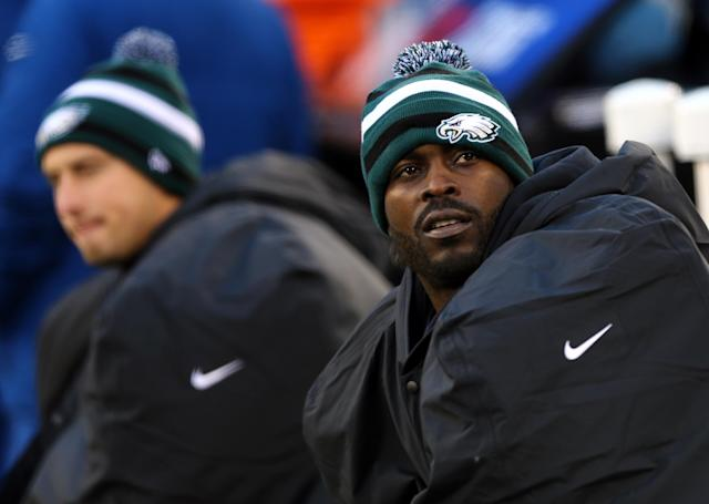 EAST RUTHERFORD, NJ - DECEMBER 30: Michael Vick #7 of the Philadelphia Eagles sits on the bench in the fourth quarter against the New York Giants at MetLife Stadium on December 30, 2012 in East Rutherford, New Jersey. The New York Giants defeated the Philadelphia Eagles 42-7. (Photo by Elsa/Getty Images)