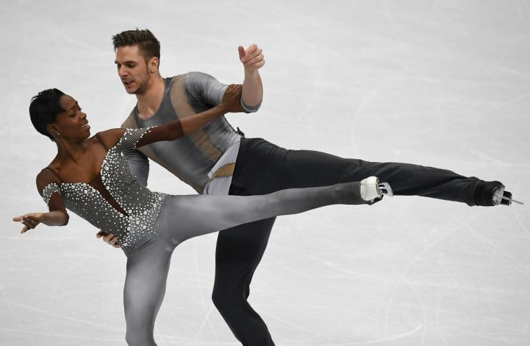 France's Vanessa James and Morgan Cipres compete in the pairs' free skating at the ISU European Figure Skating Championships in Moscow on January 18, 2018