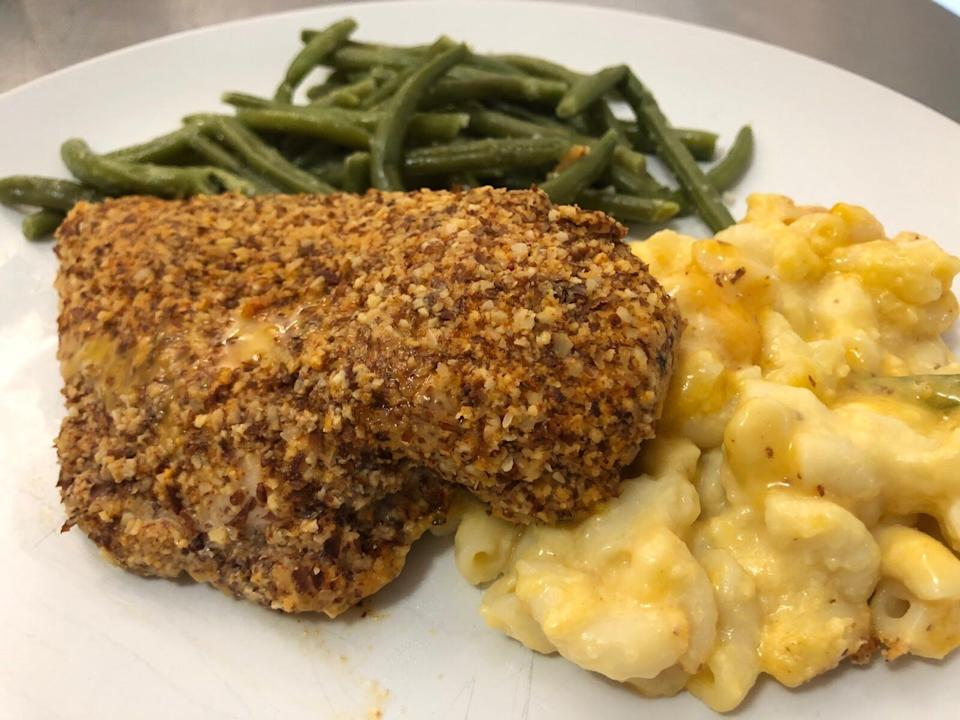 Freshly's chicken with butternut squash mac and cheese. (Photo: Caroline Thompson)