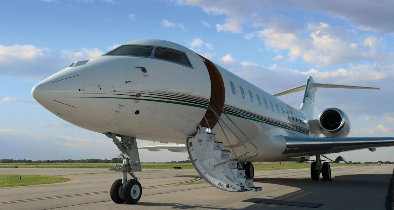 How to fly private for less than 300 for Townandcountrymag com customer service